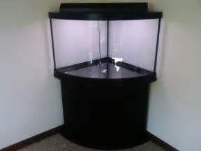 Преимущества углового аквариума